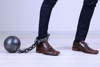 7 actitudes útiles para eliminar las deudas