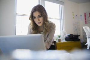 5 Ways to Spot Fake Online Coaches (So You Can Find the Great Ones)