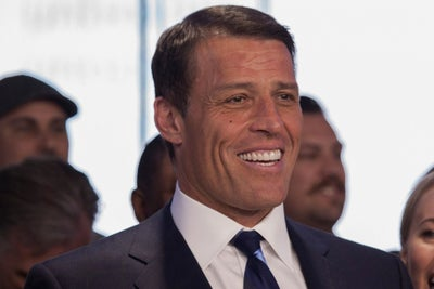 9 Powerful Tony Robbins Quotes That Will Redefine Your Quest for Succe...