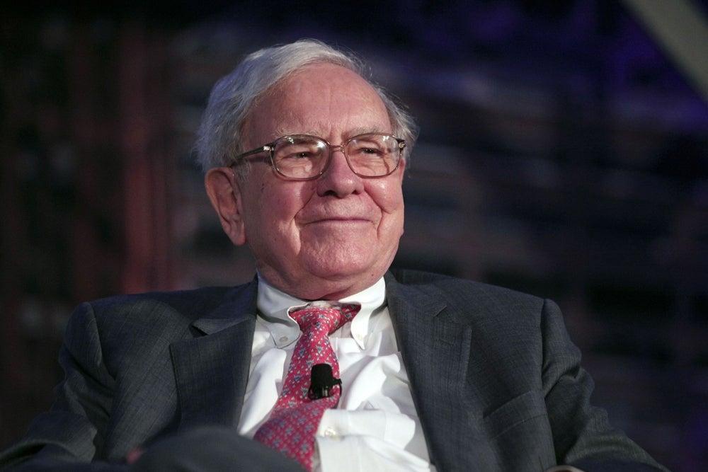 Warren Buffett's 9 Tweets Give Us 9 Reasons to Love Him More