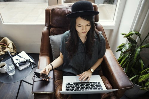 4 Ways Guest Blogging Grows Your Blog Audience Quickly