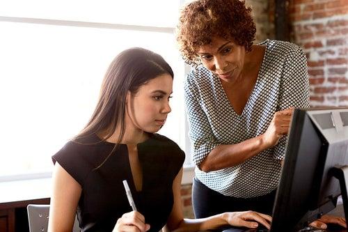 How Women Entrepreneurs Can Find Women Mentors