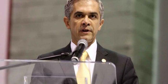 Mancera ofrece créditos para negocios afectados por el sismo