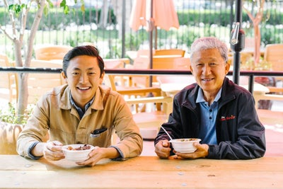 Father and Son Team Take On Greasy Fast Food With Simple, Healthy Meal...