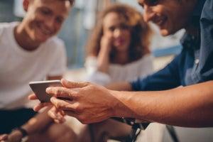 10 Secrets to Going Viral on Social Media