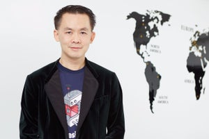 How He Convinced 300,000 People to Work With Him, From Malaysia