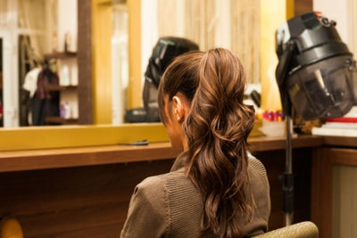 Una idea de negocios diferente: bar de peinados