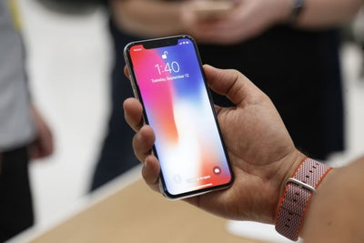 Apple Fires Employee After Daughter's iPhone X Video Goes Viral