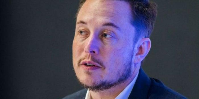 Elon Musk pierde 800 mdd en un día por culpa de Tesla
