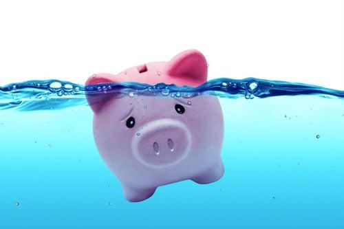 ¡No te ahogues en deudas! Tips de ahorro sin importar cuánto ganes