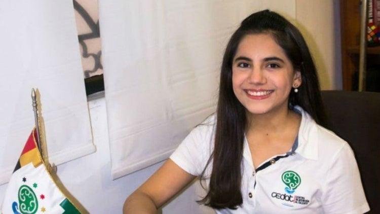 Ella es la genio mexicana que terminó la maestría a los 16 años