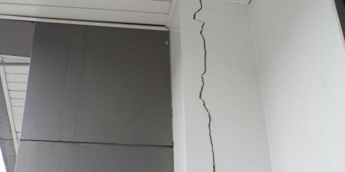 ¿Tu vecino hizo una obra y dañó tu casa? Esto es lo que puedes hacer
