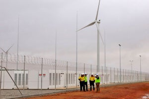 Tesla's Giant Battery Farm Is Now Live in South Australia