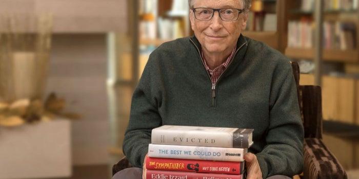 Estos son los 5 libros que recomienda Bill Gates para el invierno