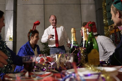 8 Ways to Increase Holiday Cheers and Minimize January Jeers