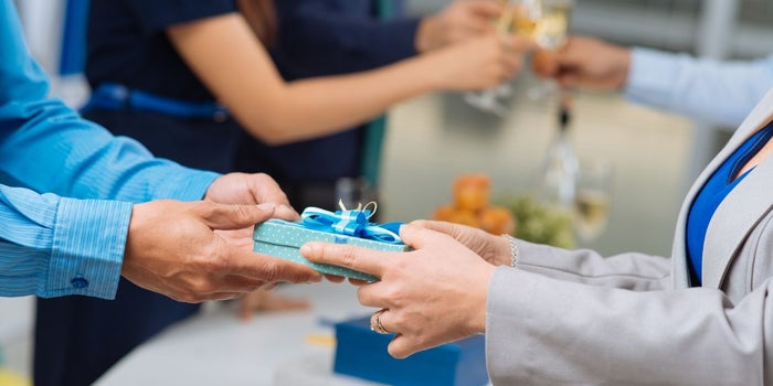 A Business's Guide to Corporate Gifting