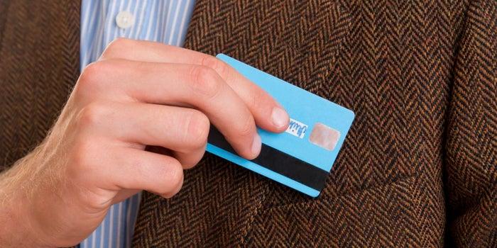 ¿Conviene solicitar una tarjeta de crédito para iniciar mi negocio?