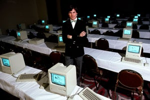 Steve Jobs Shares the Secrets to Successful Team Leadership in This Throwback Video