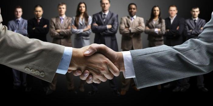 Busca estas 5 aptitudes y tendrás un súper equipo de ventas