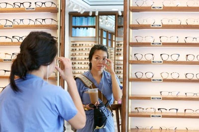 Why Ecommerce Brands Harry's and Warby Parker Opened Brick-and-Mortar...