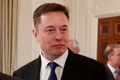 Elon Musk Pitched President Donald Trump on SpaceX's Mission to Coloni...