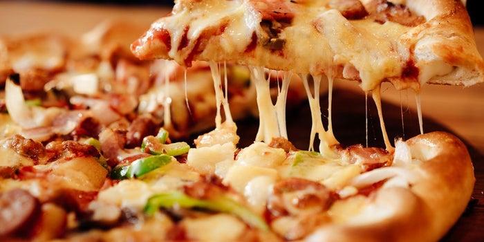 "Boston's The Gourmet Pizza, Restaurant & Sports Bar: ""Dos experiencias bajo un mismo techo"""