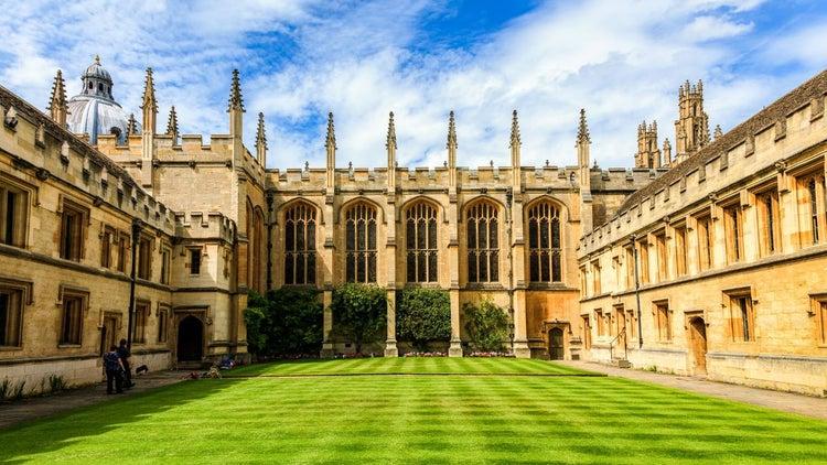 Oxford tendrá más alumnas mujeres por primera vez en mil años