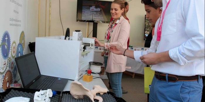 Utilizan bioimpresora 3D para mejorar vida de pacientes