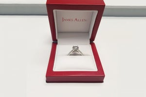 How This Jewelry E-tailer Made Popping the Question So Much Easier