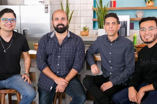 Los 'mecánicos' mexicanos que recibieron dinero de Silicon Valley