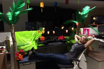 Why This Company Thinks Employees Decorating Other People's Cubicles I...