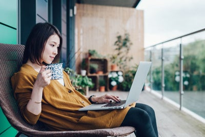 4 Essentials for Succeeding When You Make the Switch to Working From H...