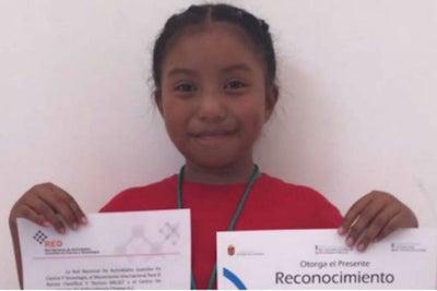 Mexicana de 8 años gana premio de ciencia nuclear en la UNAM