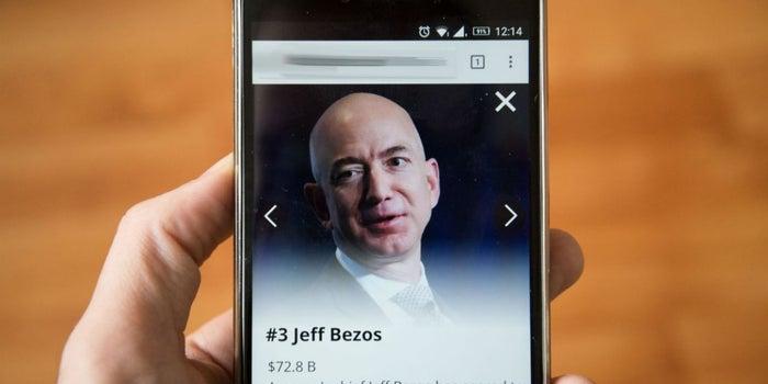 Por qué Amazon y Jeff Bezos son tan exitosos para hacer disrupción