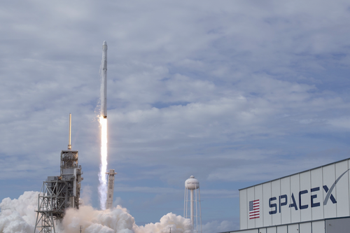 Elon Musk's Mission to Put Wi-Fi on the Moon! 3 Things to Know Today.