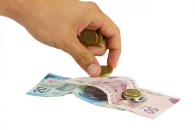 ¿Conviene pagar una deuda con otra?