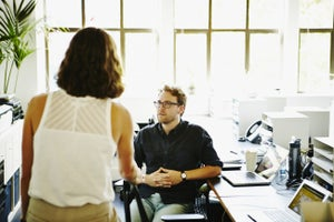 4 Telltale Signs You're Negotiating With Somebody Who Is Dishonest
