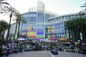 This Entrepreneur Maxed His Credit Card to Attend His Industry's Biggest Trade Show. It Was Money Well Spent.