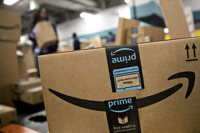 Amazon Delivers to Parked Cars and Thinking Positive Leads to Good Memories. 3 Things to Know Today.