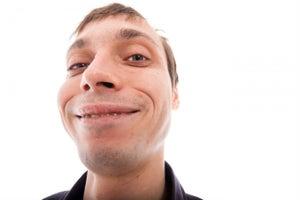 La gente 'fea' gana significativamente más dinero: estudio