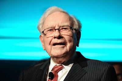 Apple Stock Soars to New Heights Thanks to Warren Buffett's $44 Billio...