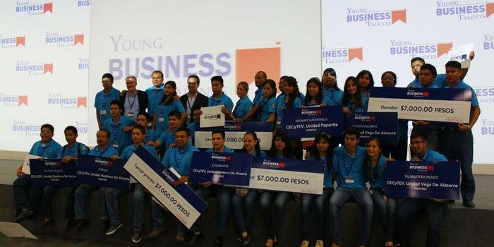 Veracruz se impone en competencia de jóvenes empresarios
