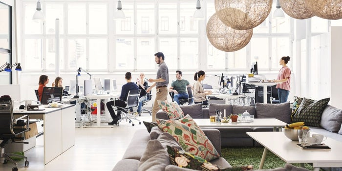 More Than 4 Walls: How to Transform Your Company Into a Community