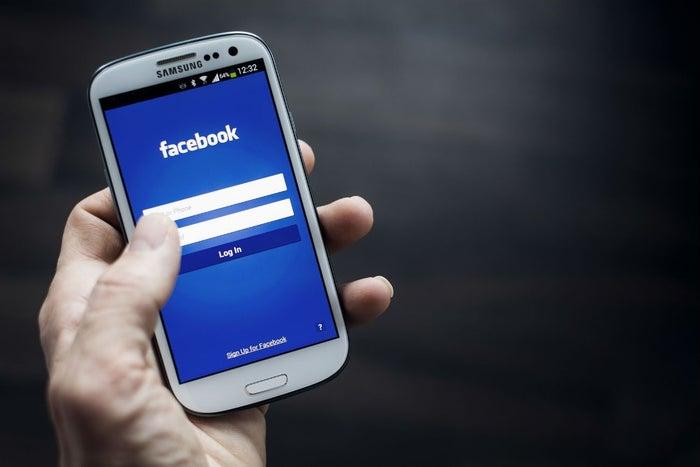 Facebook filtrará videos en vivo con ayuda de un chip
