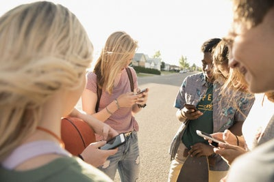 Teens Are Increasingly Ditching Facebook. Here's How Entrepreneurs Sho...