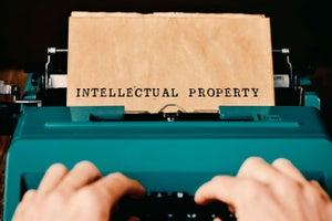 ¿En qué consiste la propiedad intelectual y cómo registrarla?