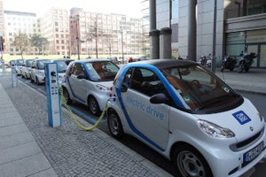 Indian Government Wants India to Have Only Electric Cars by 2030: Everyone's Game