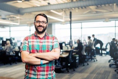 The Co-Founder Behind Slack Shares What He Did 140 Times Last Year Alo...