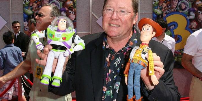 El jefe creativo de Pixar y Disney dejará el puesto por comportamiento fuera de lugar
