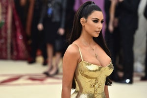 Kim Kardashian Tries to Fix Twitter and AT&T Can Buy Time Warner. Here Are 3 Things to Know Today!